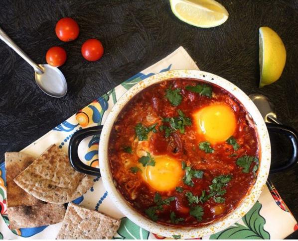 huevos y tomate
